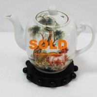 Petrides auctions Cyprus_Chinese tea pot